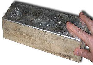 English: Silver bullion bar 1000oz top view